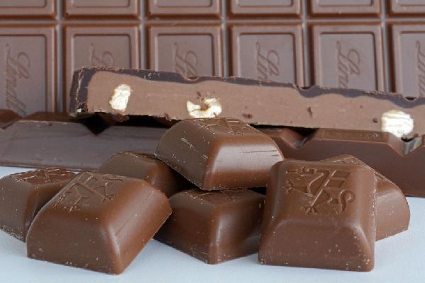 Chocolate, alimento que contiene leche