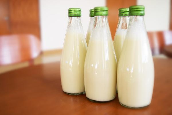 Botellas de leche de soja